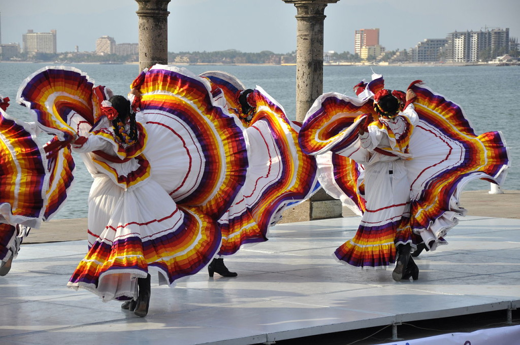 1280px-Mexican_Folklore_Dance_of_Jalisco